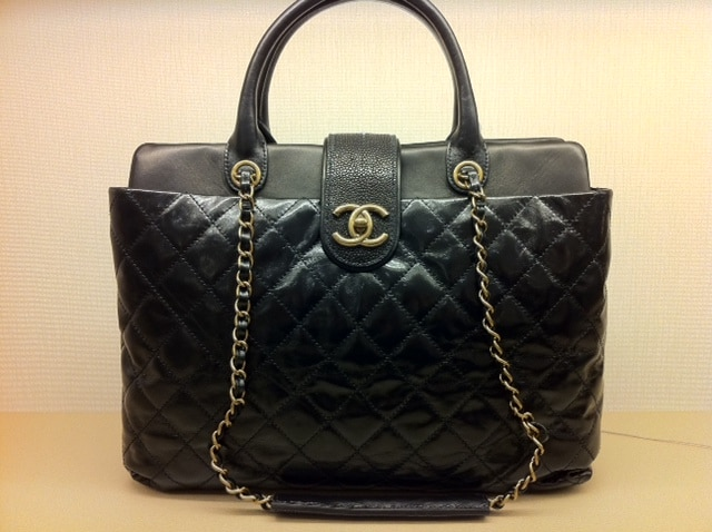 Chanel Python and Stingray Bags for 2012  26772ddedd386