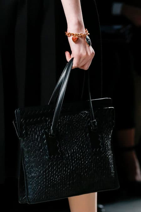 Borse Bottega Veneta 2013 : Bottega veneta fall runway bag collection spotted