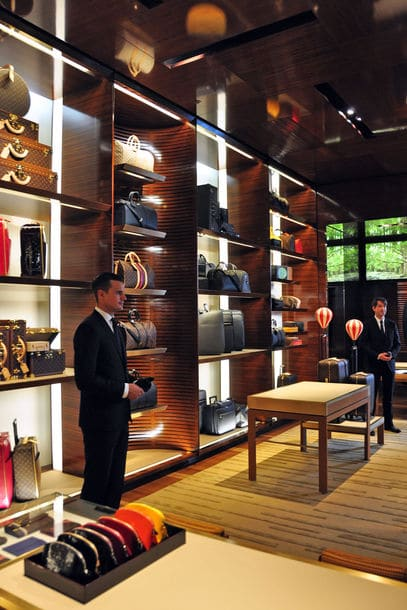 louis vuitton flagship store to open in munich germany. Black Bedroom Furniture Sets. Home Design Ideas