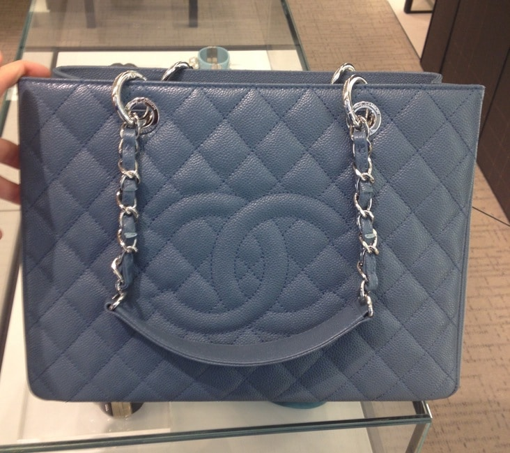 the gallery for gt chanel gst bag beige