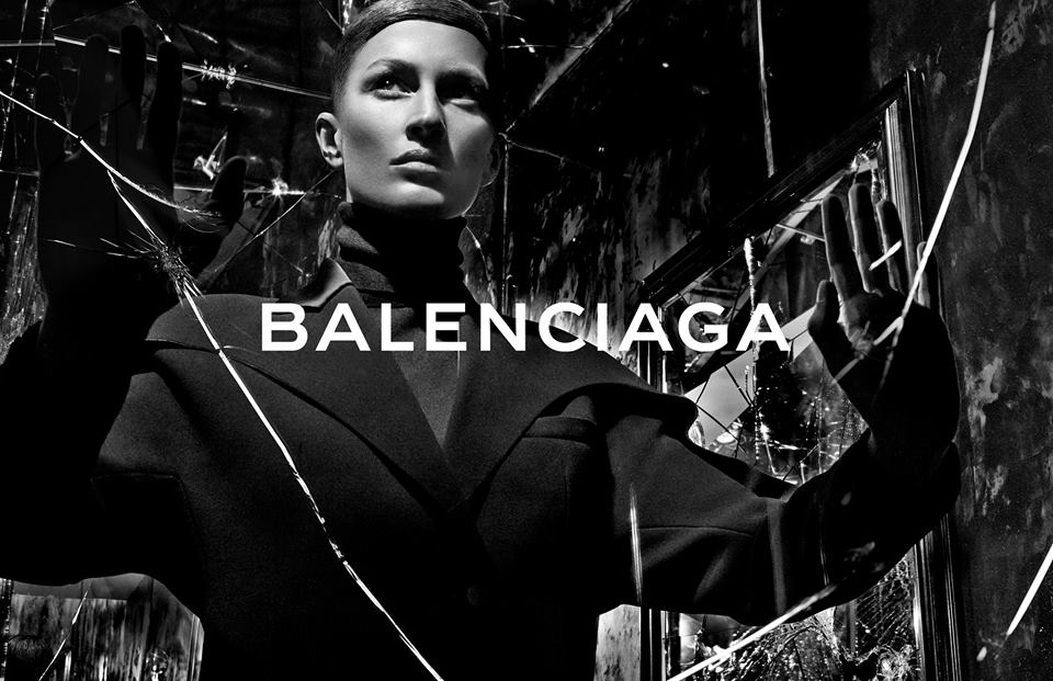 Balenciaga Presents the Neo Classic Mini Bag | Fashionisers©