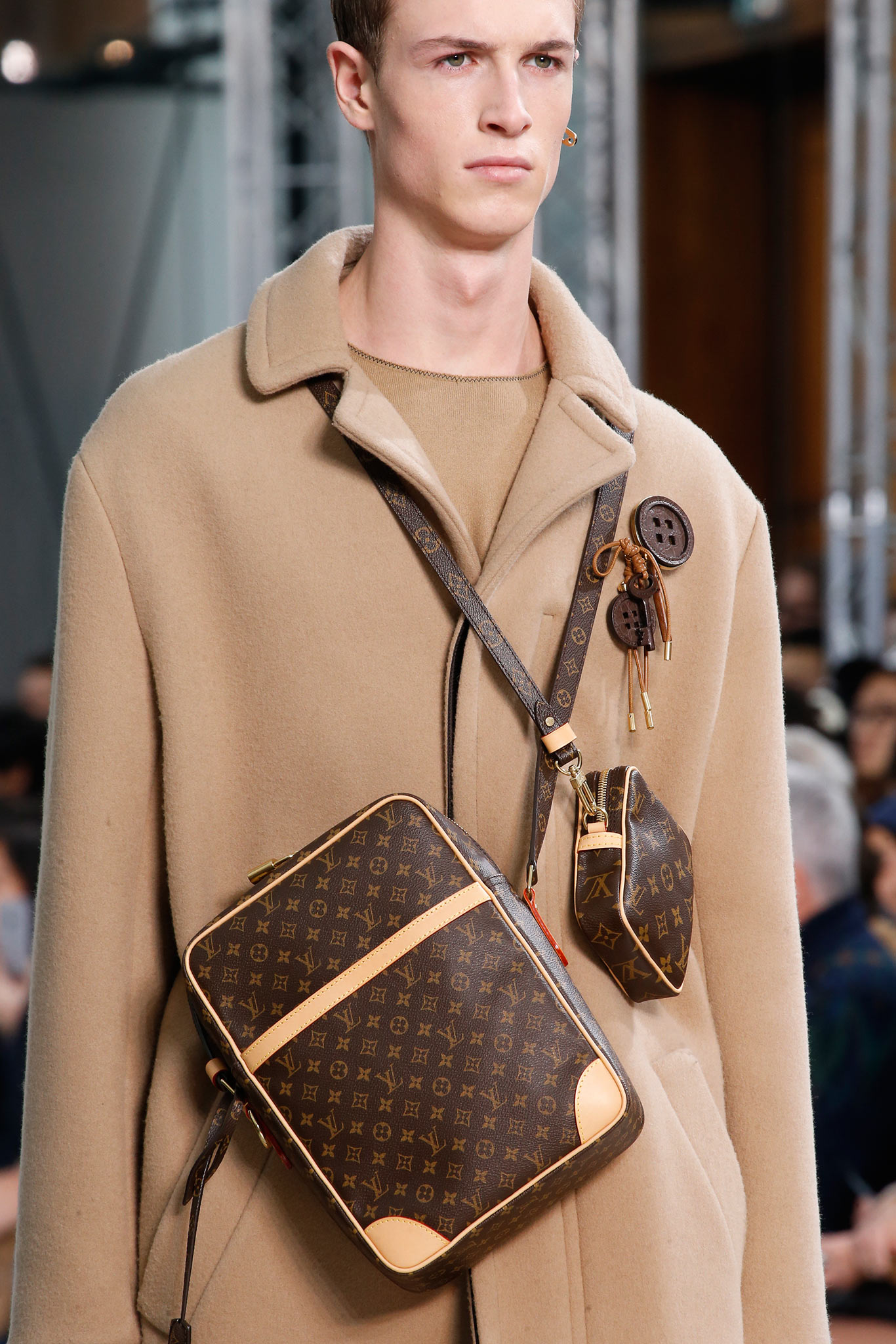 New Models in Shoulder Bag Louis Vuitton for Man