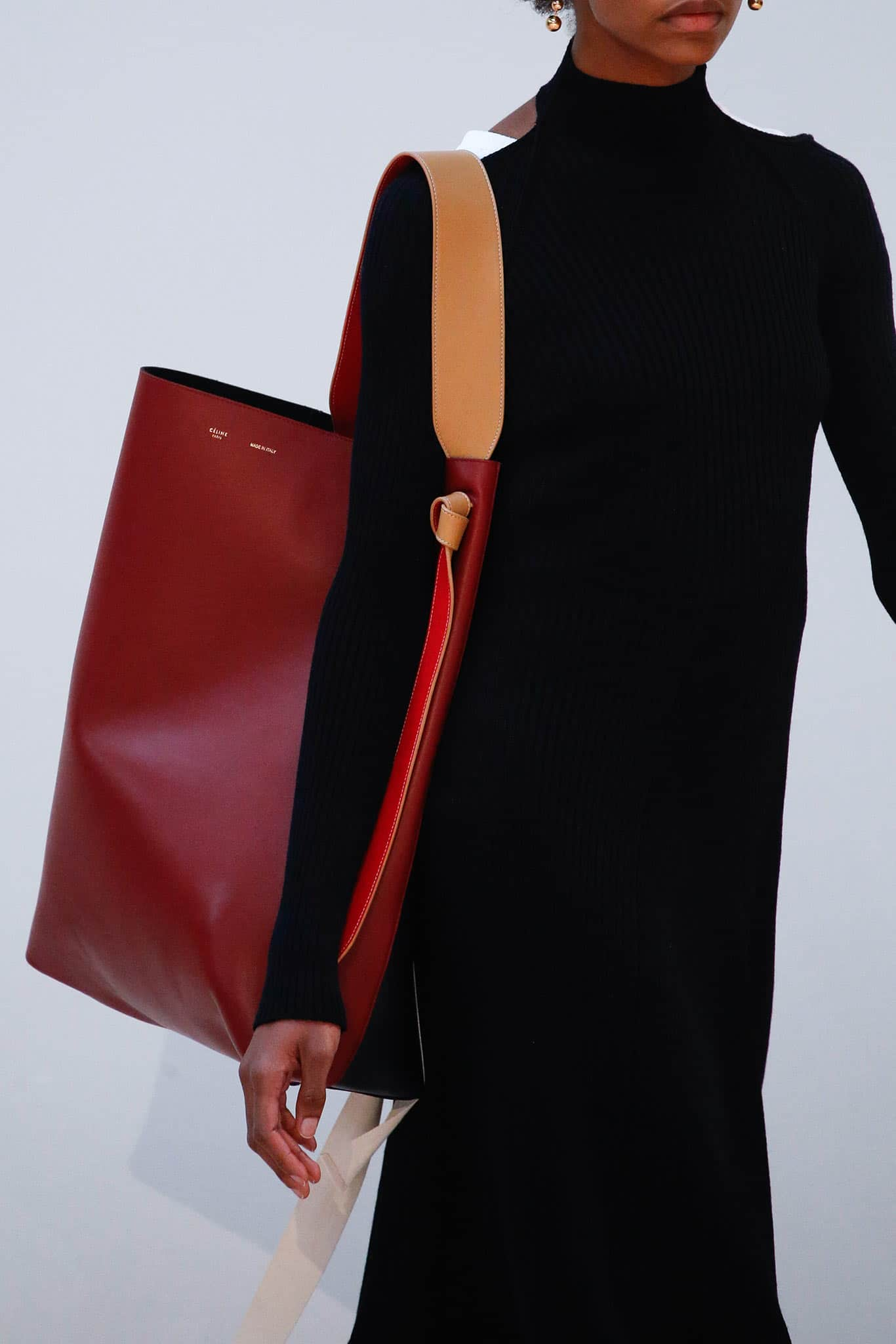 Celine Fall/Winter 2015 Runway Bag Collection Featuring Large Tote ...