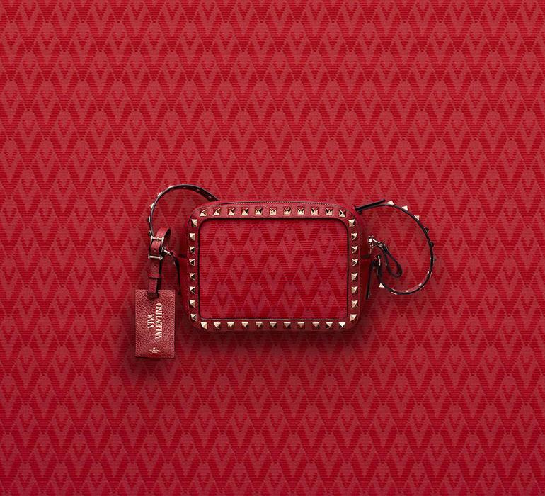 Купить клатч с заклепками Red Valentino