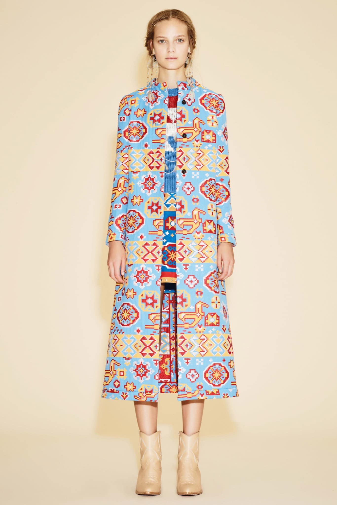Valentino Resort 2016 Collection Featuring Bold Colors And