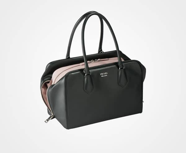 18d3e5930ec It includes a removable/adjustable shoulder strap. The bag's interior is  made of nappa leather lining and has two pockets.