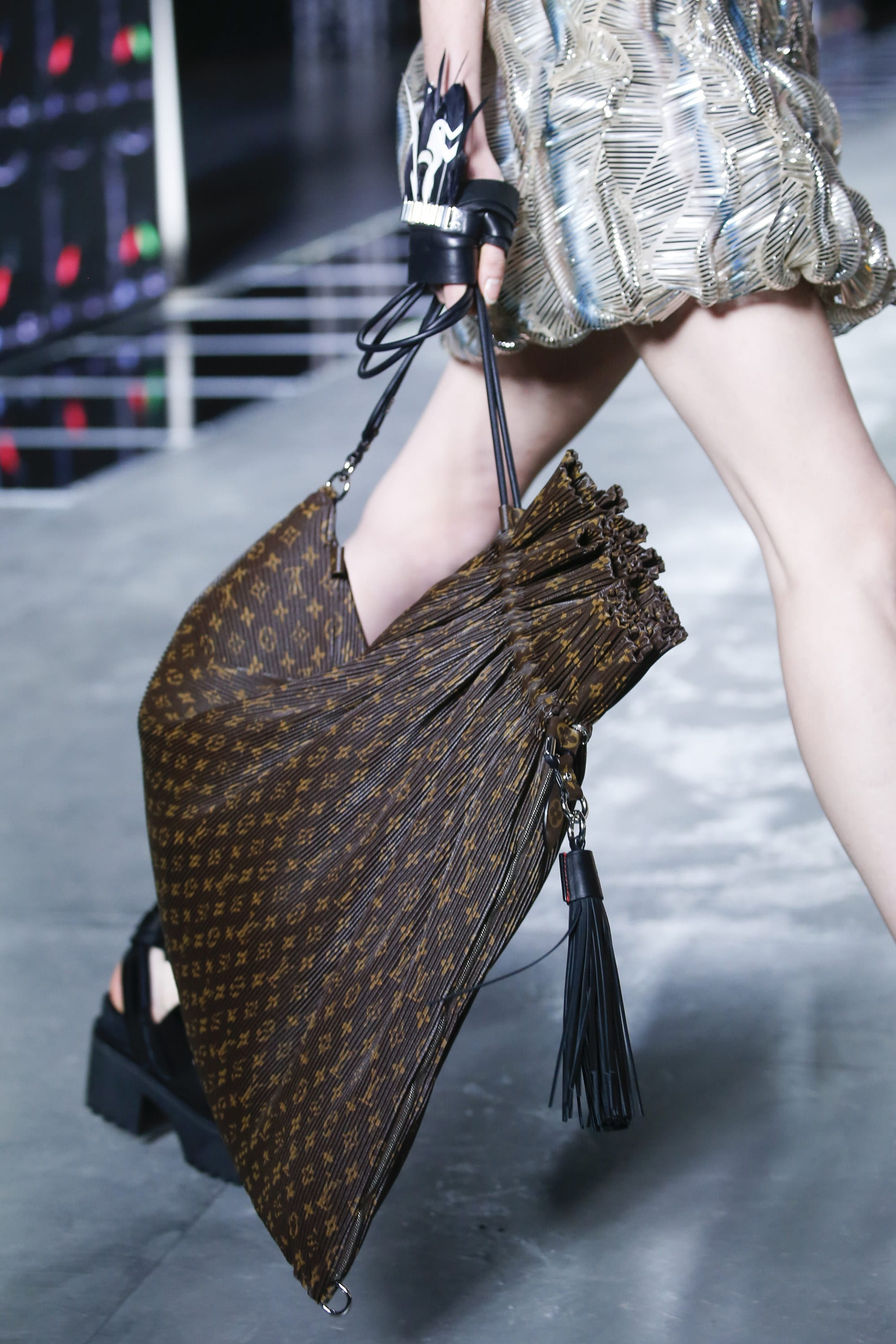 Fresh Louis Vuitton Spring/Summer 2016 Runway Bag Collection | Spotted  QL28