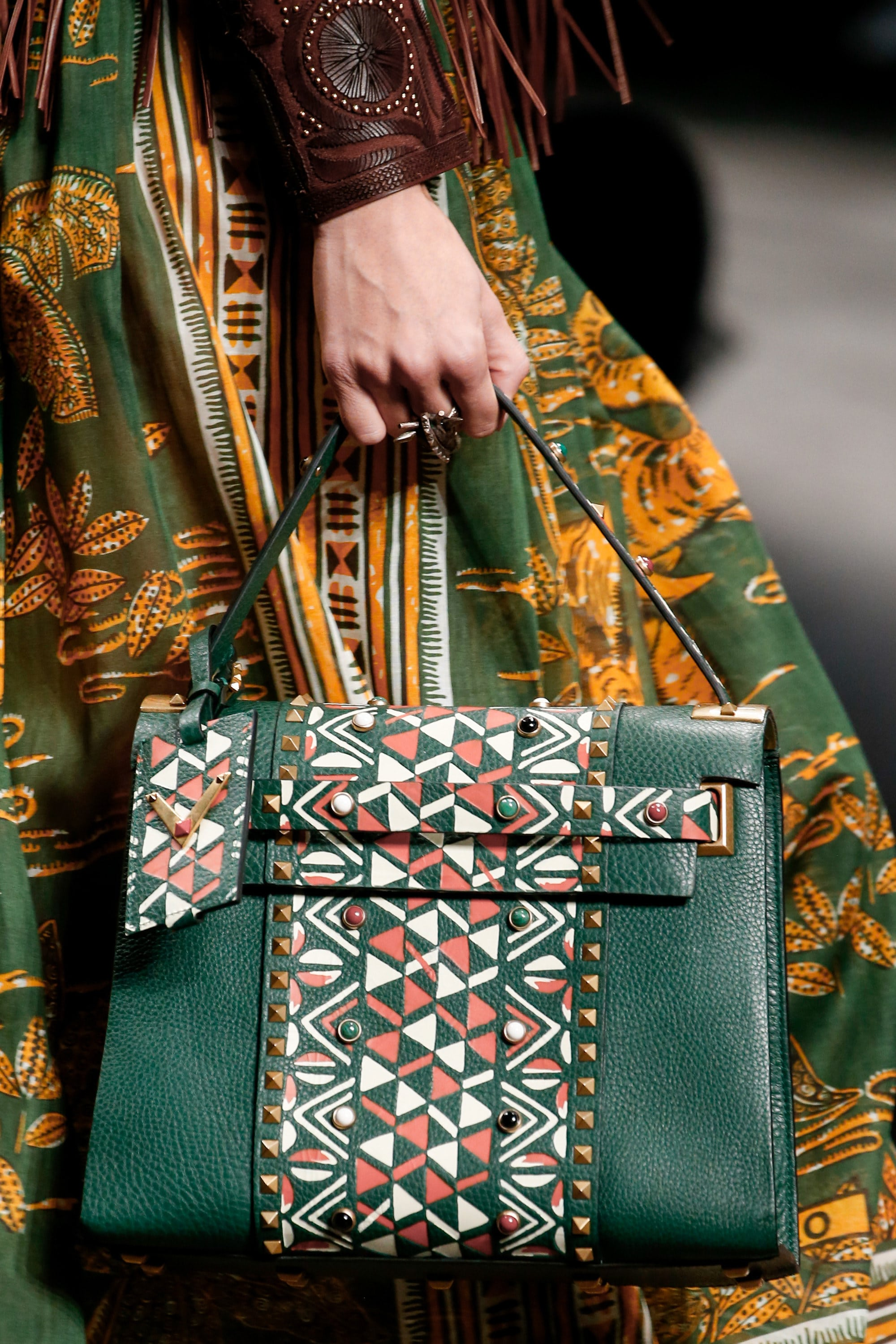 valentino spring  summer 2016 runway bag collection featuring hand