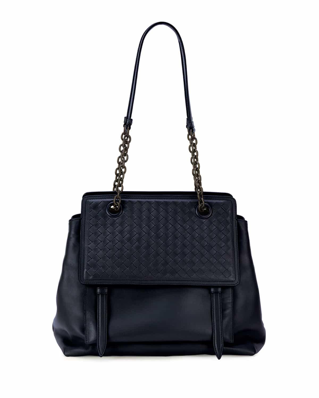 Fashion week Veneta bottega resort bag collection for woman