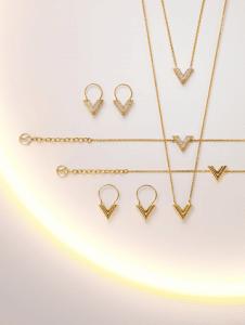 Louis Vuitton Essential V Necklace/Bracelet/Earrings