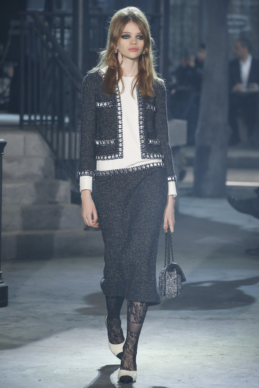 Louis Vuitton Denim Bag >> Chanel Paris in Rome Métiers d'Art Pre-Fall 2016 Runway ...