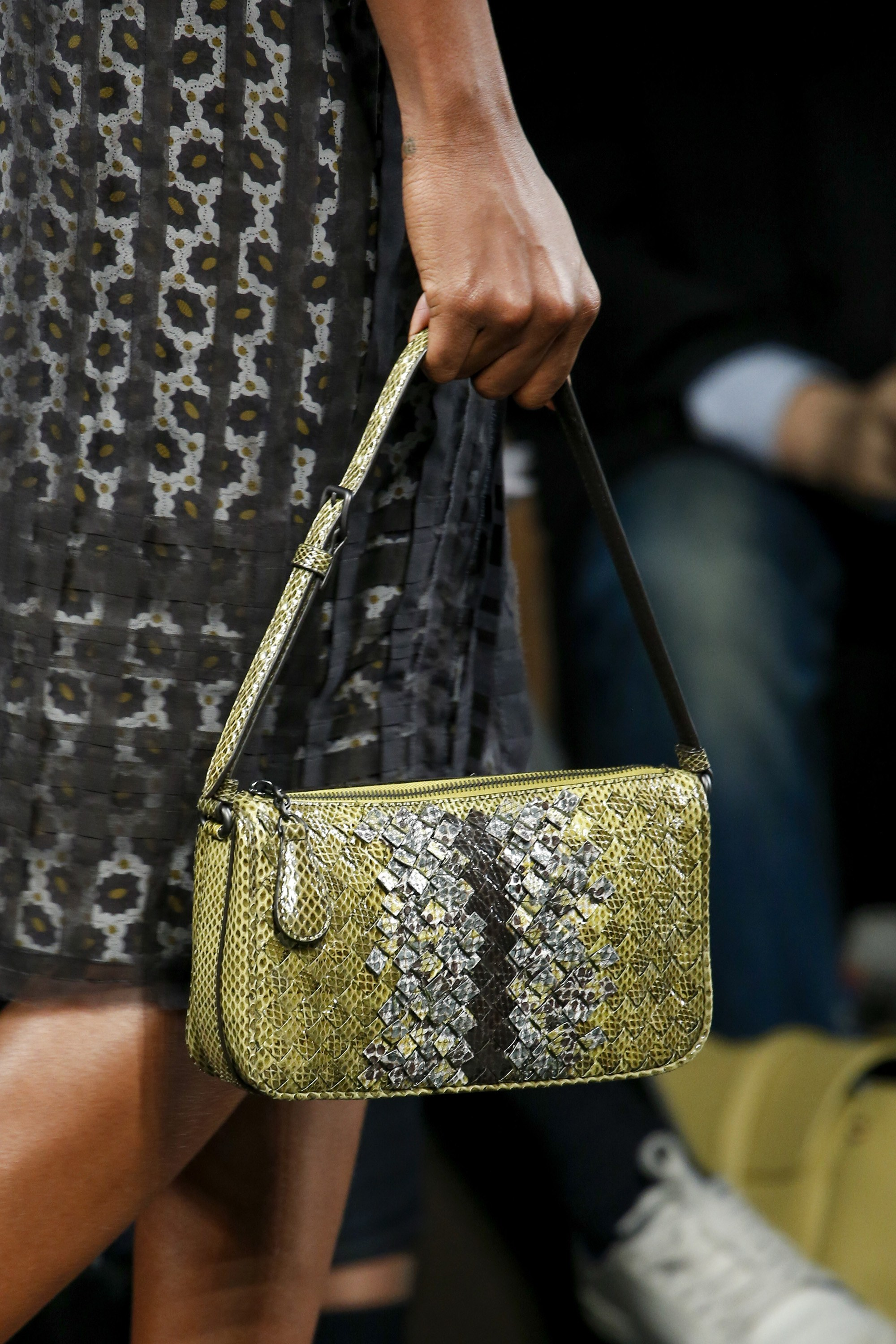 Bottega Veneta Fall/Winter 2016 Runway Bag Collection ...