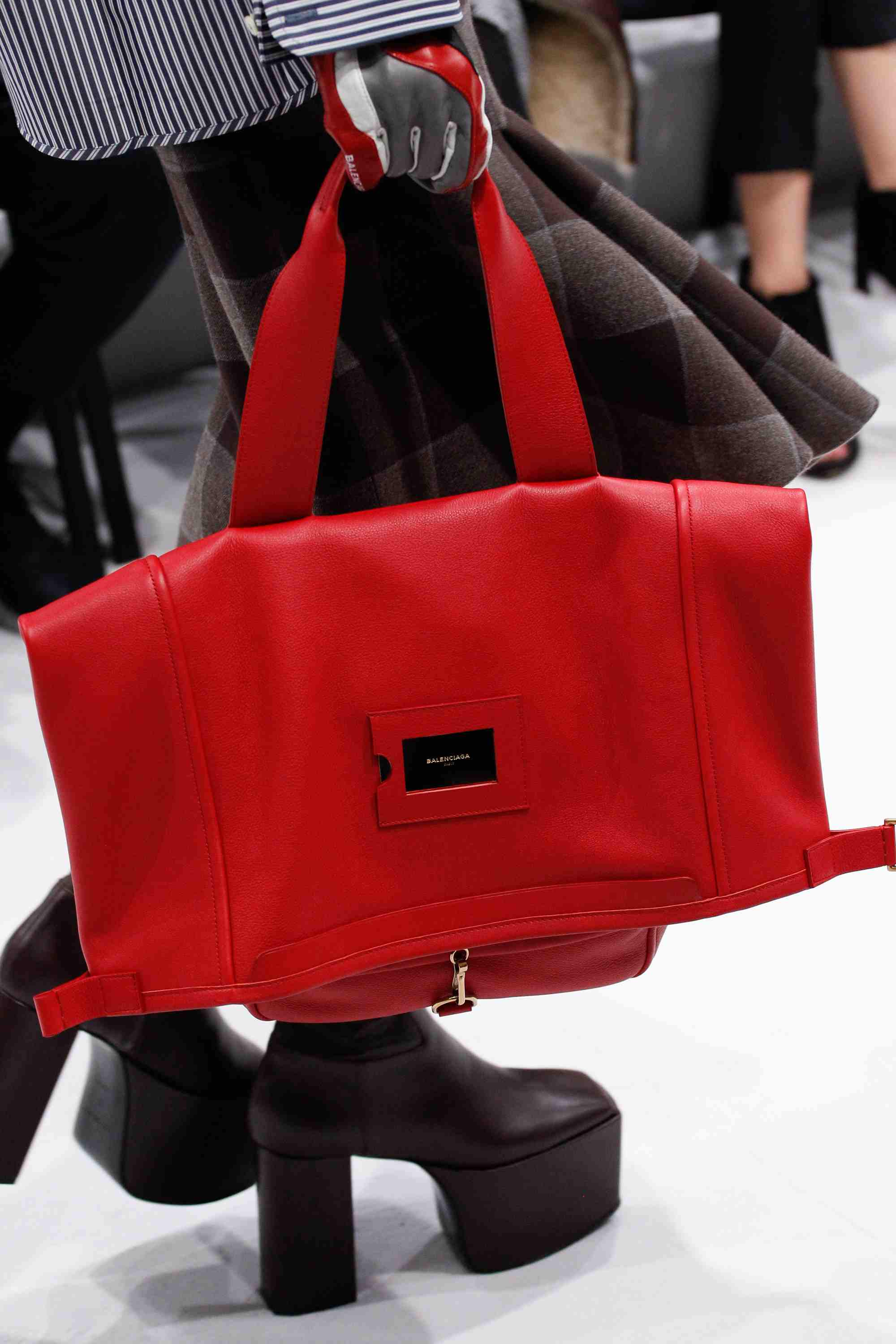 Balenciaga Fall/Winter 2016 Runway Bag Collection – Spotted Fashion