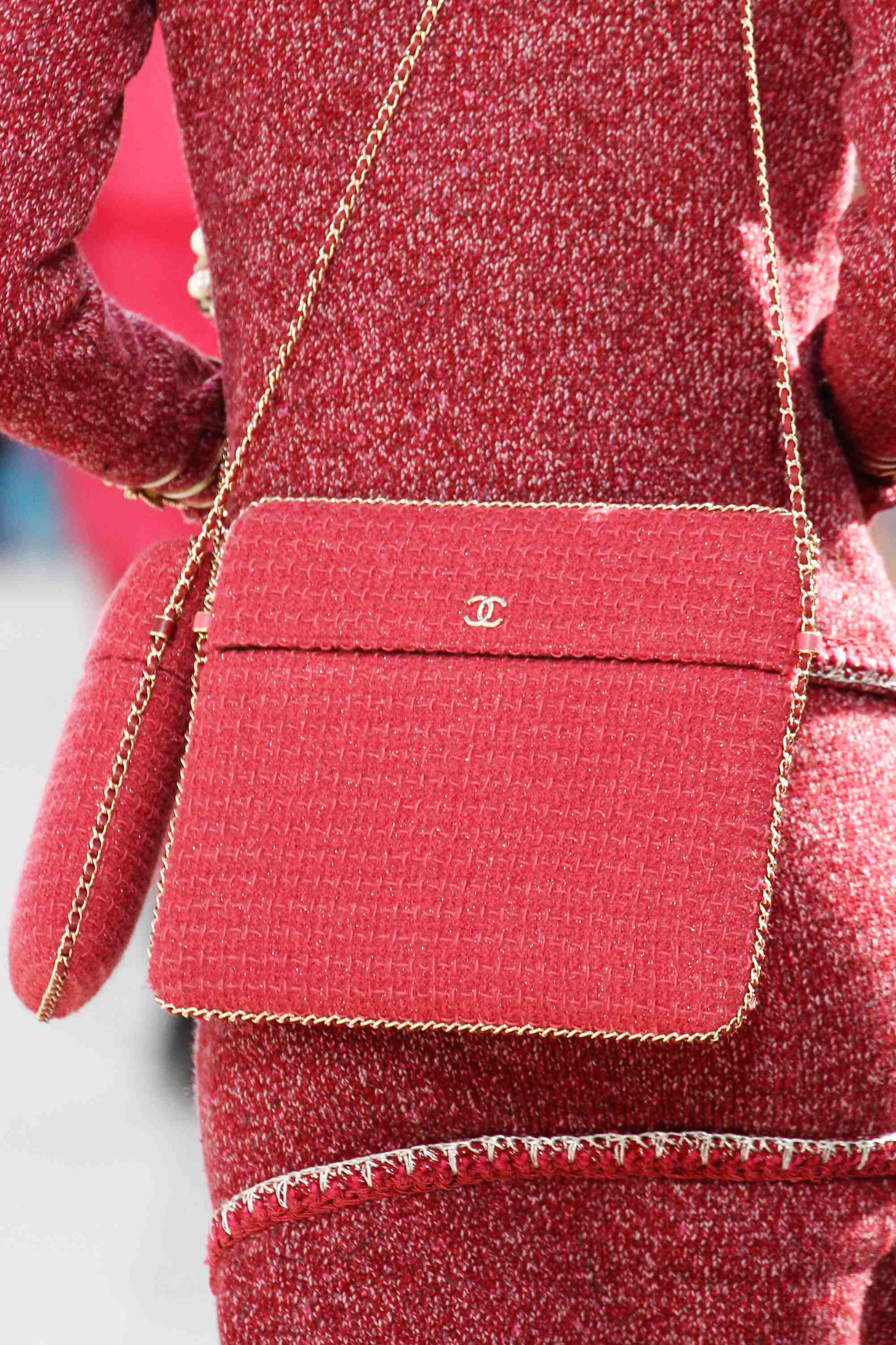 chanel fall  winter 2016 runway bag collection