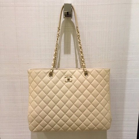 94c3ff0e1159 Chanel Timeless Classic Tote Bag From Cruise 2016 Collection   Spotted  Fashion