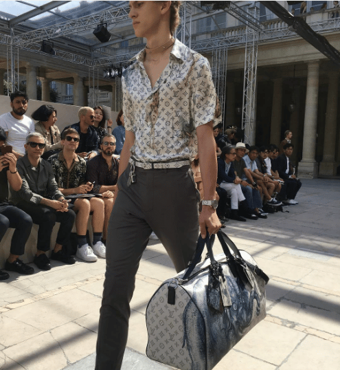 louis vuitton giraffe shirt. louis vuitton dune monogram canvas with elephant print keepall bag - spring 2017 giraffe shirt e