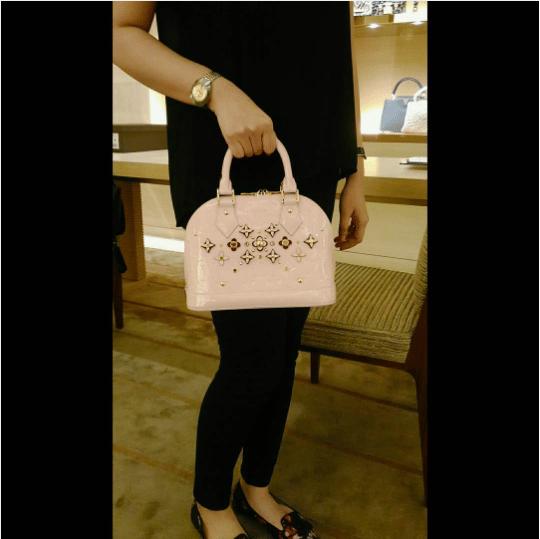 Louis Vuitton Rose Ballerine Monogram Vernis Alma Flower Bag 3