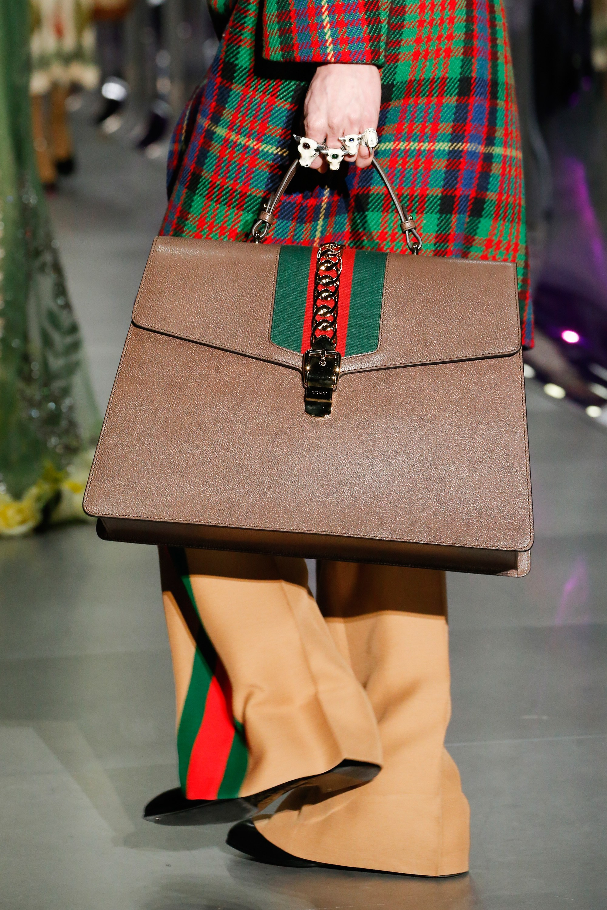 gucci bags fall 2017. gucci fall winter 2017 runway bag collection spotted fashion bags t