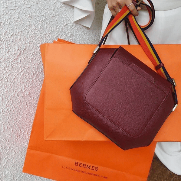 Сколько стоит настоящая сумка Chanel?