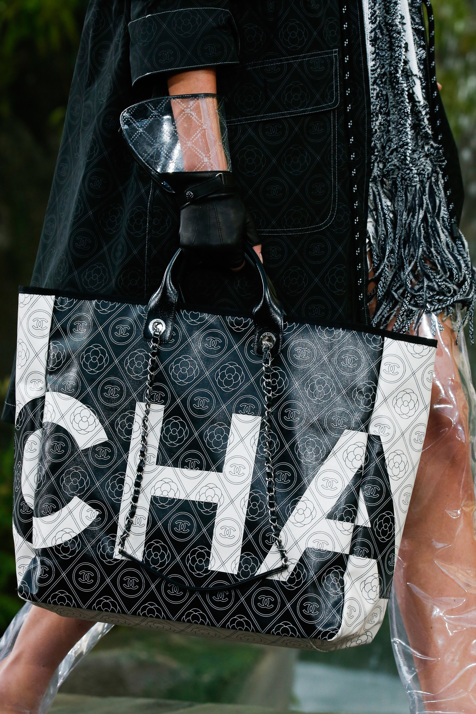 Chanel Black White Logo Embroidered Tote Bag - Spring 2018 6cef34023132