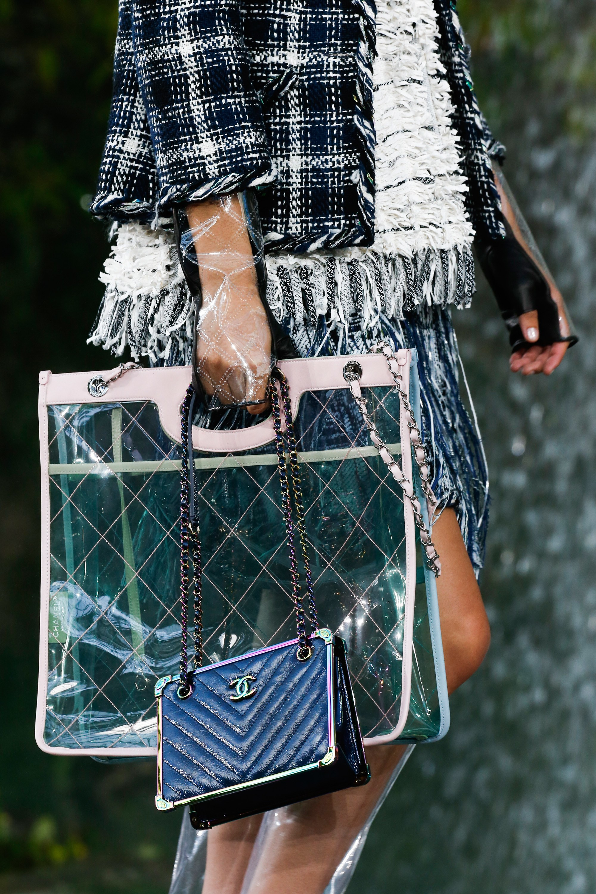 foto de Chanel Spring/Summer 2018 Runway Bag Collection Spotted