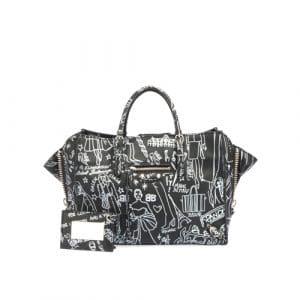 Balenciaga Black Graffiti Papier A6 Zip Around Bag