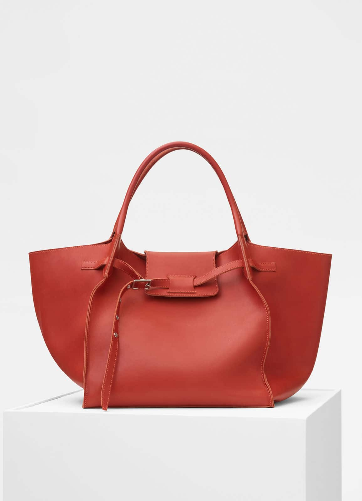 3408bb5b91 Celine Spring 2018 Bag Collection Featuring the Big Bucket