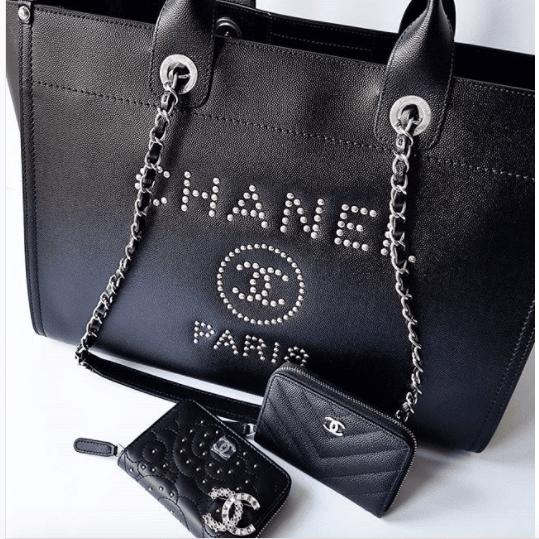 74a04b8eb481ad Chanel Black Studded Calfskin Deauville Medium Shopping Bag 2. IG:  laulayluxury