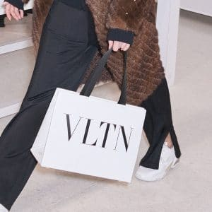 Valentino White VLTN Tote Bag - Pre-Fall 2018