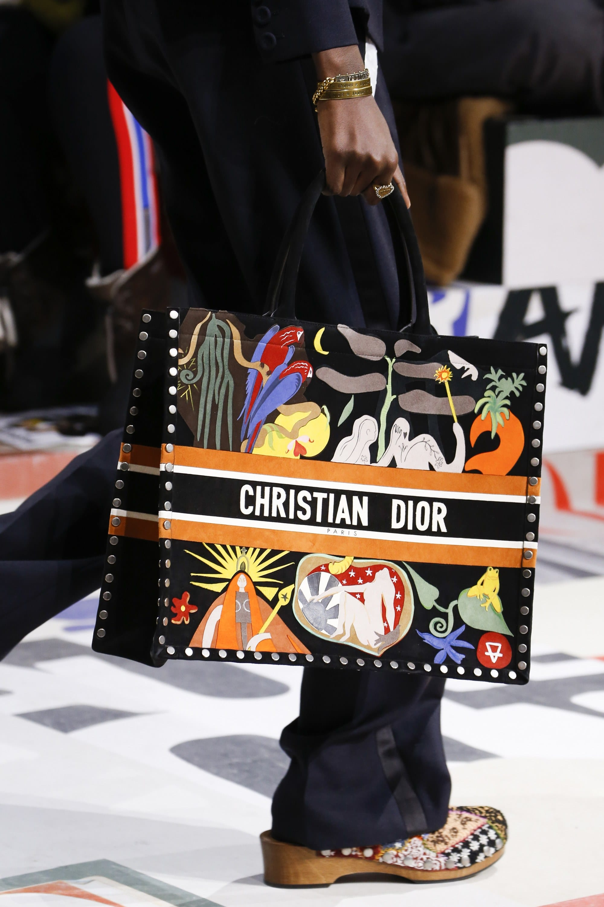 39035c300336 Dior Fall Winter 2018 Runway Bag Collection featuring Saddle Bags ...