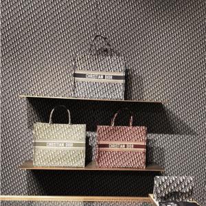 Dior Pop-Up Store 13