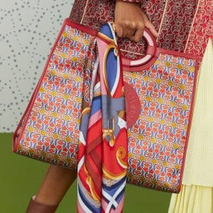 Fendi Red Printed Runaway Shopper Bag - Pre-Fall 2019