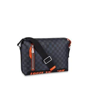 b76ff7b5ddff ... Louis Vuitton Damier Cobalt Race Discovery Messenger PM Bag