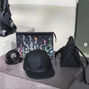 Louis Vuitton Black Monogram Pochette Bags