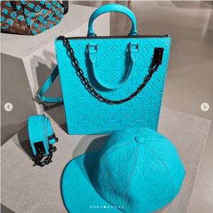 Louis Vuitton Turquoise Sac Plat Bag 2