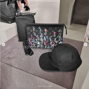 Louis Vuitton Black Monogram Floral Print Pouch Bag