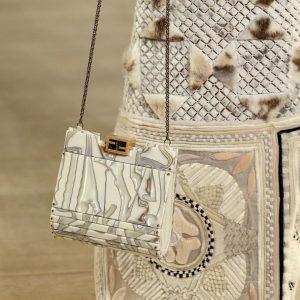 Fendi Fall 2019 Haute Couture harpersbazaarmy 3