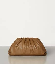 Bottega Veneta Pouch Clutch bag in Camel
