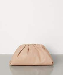 Bottega Veneta Pouch Clutch bag in Cream