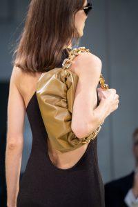 Bottega Veneta Large Chain Shoulder Pouch Bag - Resort 2020