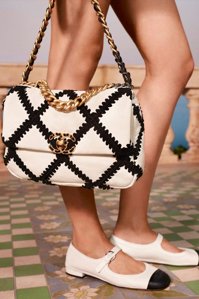 Chanel 19 Criss Cross White Bag - Cruise 2021